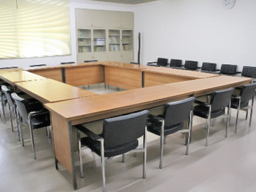 2階 小会議室